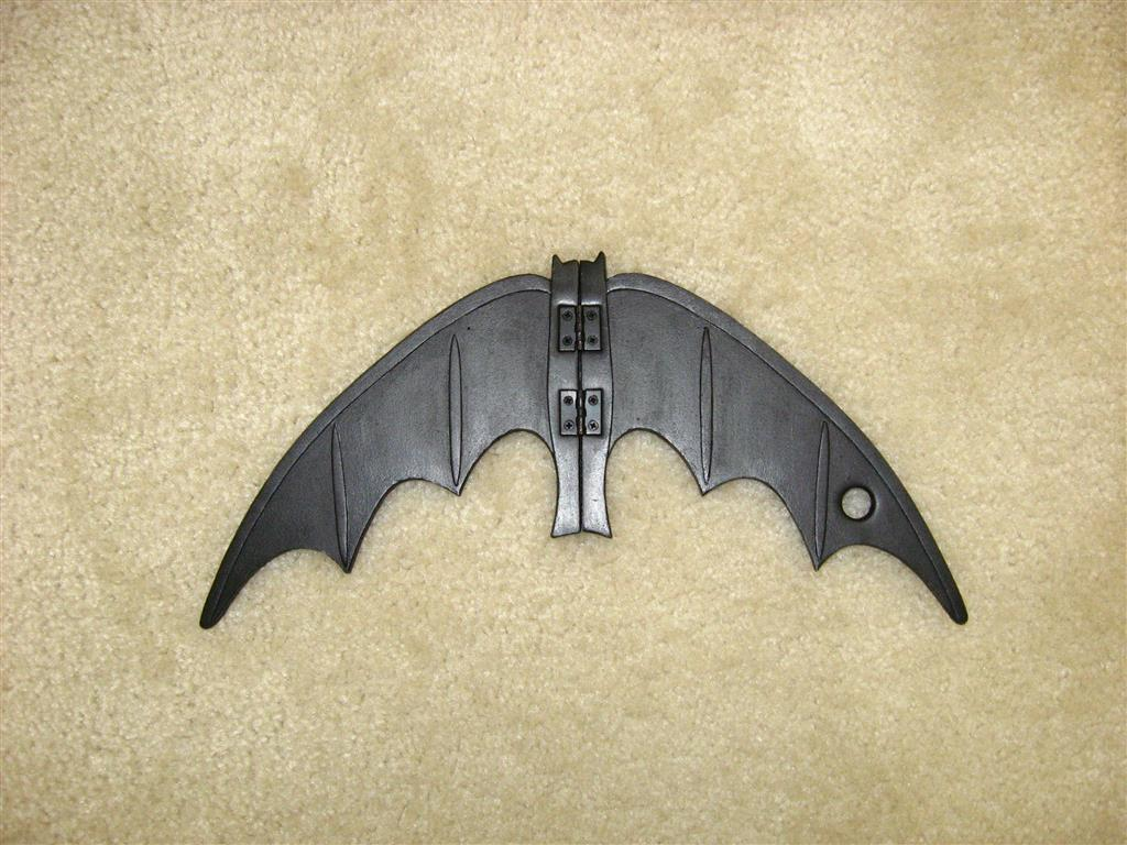 66 batarang and pouch the foam cave